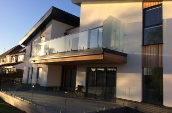 1.-Vista-Glass-balcony-systems-in-Cambridge,-Chelmsford,-Ipswich,-Bishop's-Stortford-and-Colchester.JPG