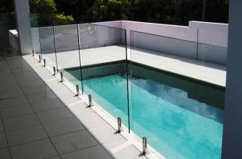10. Vista Glass swimming pool fence in Bishop's Stortford, Chelmsford, Cambridge, Colchester and Ipswich